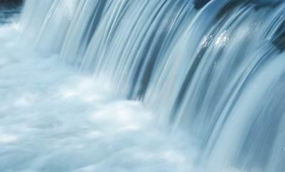 Приворот на воде: как привлечь парня