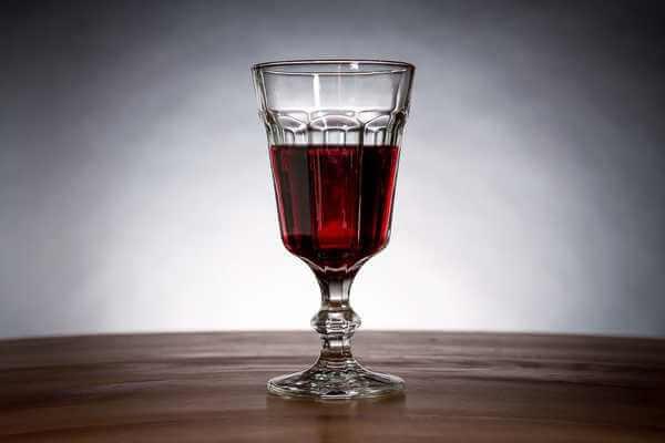 бокал вина для приворота на новогодний приворот