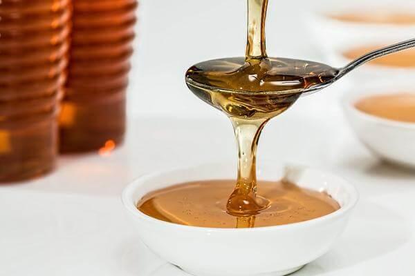 Заговор с водой и медом