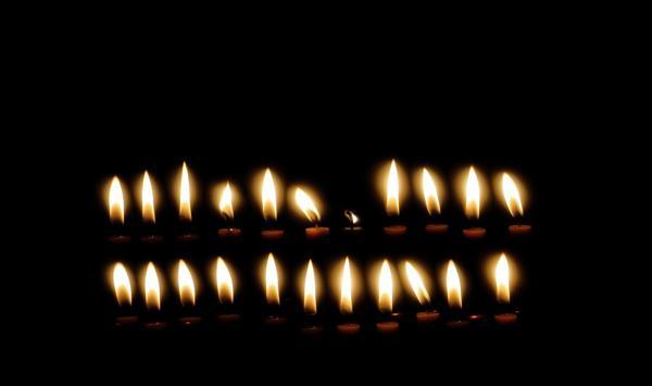 Как самой (самому) снять с помощью свечи