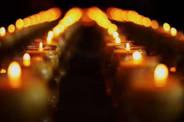 Снятие порчи церковной свечой: подготовка к проведению обряда
