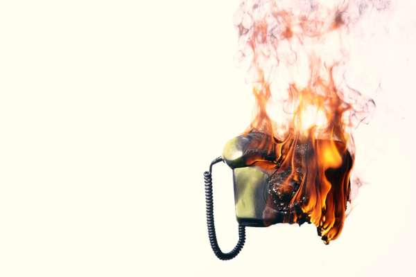 Сжечь телефон после ритуала