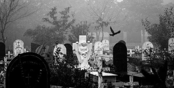 Кладбищенский приворот, его действие, признаки и последствия