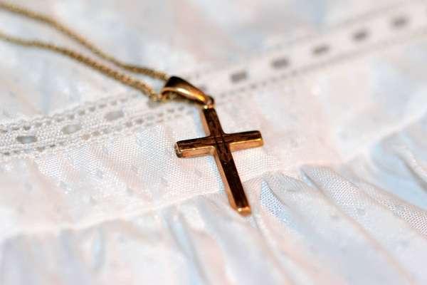 Действенные обряды на ребенка: на рождение, крещение, годик