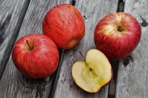 Отворот на яблоко: зеленое, спелое яблоко, от соперницы, рассорка |